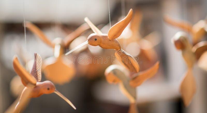 Связанные проволокой марионетки птиц стоковые фотографии rf