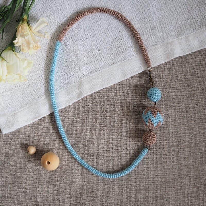 Связанный шнур с шариками стоковое изображение rf