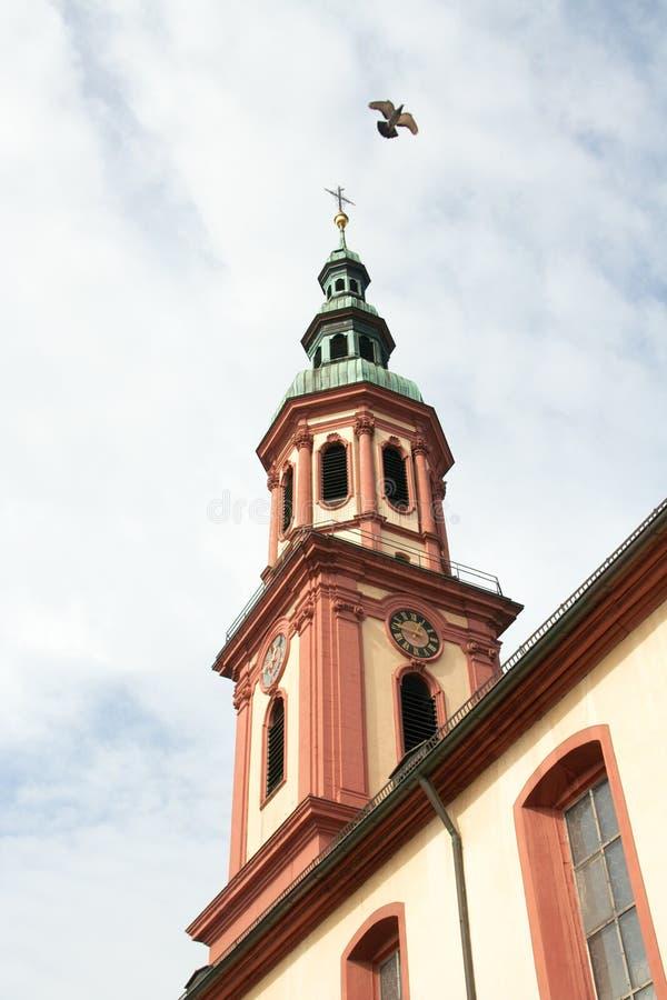 Святейшая перекрестная церковь, шпиль (Offenburg, Германия) стоковые фото