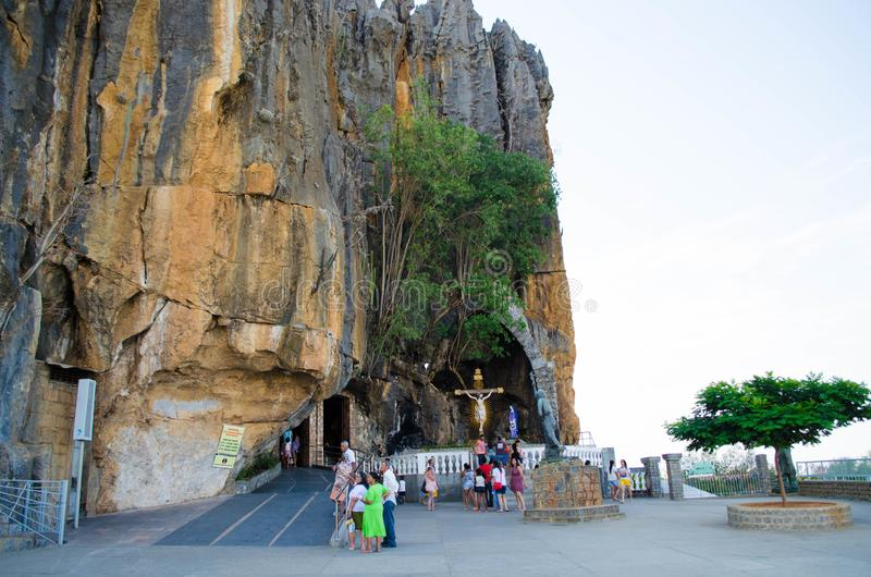Святилище в Бахи в Бразилии, святилище Bom Иисуса da Lapa сделанное внутри горы стоковые изображения