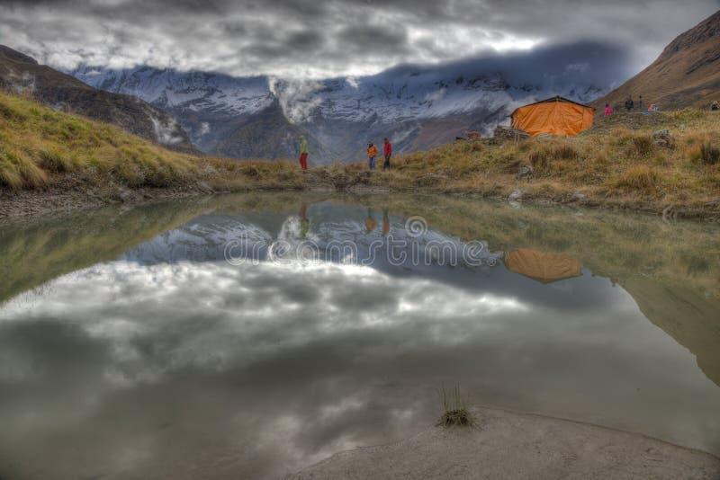 святилище низкопробного лагеря annapurna стоковая фотография
