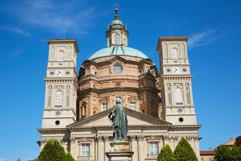 Святилище церков Vicoforte в солнечном летнем дне в Пьемонте, Италии стоковое фото rf