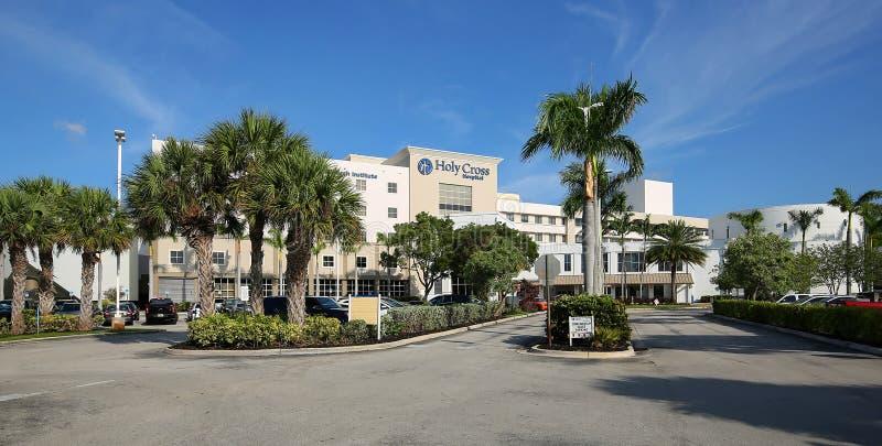 Святое перекрестное здание больницы в Fort Lauderdale стоковые изображения