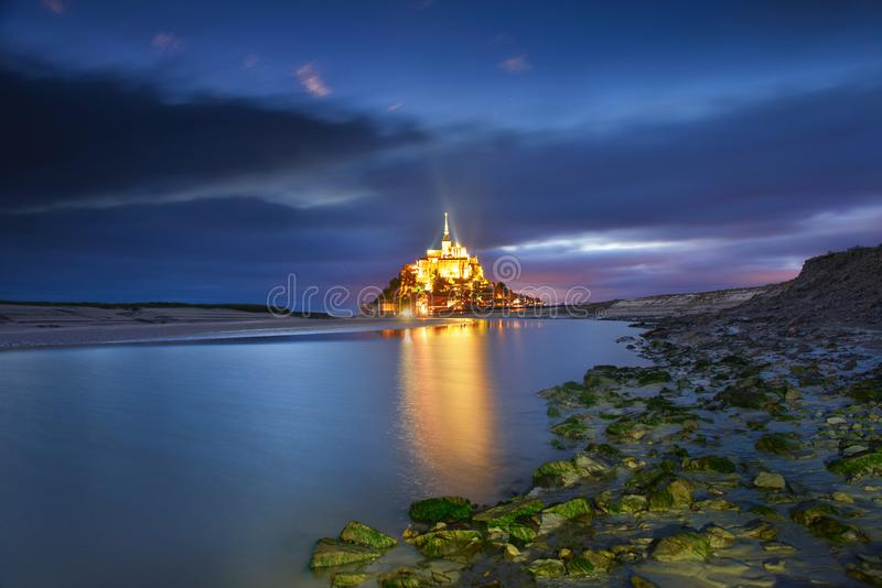 Святой Мишель в вечере, Нормандия Mont, Франция стоковые фото