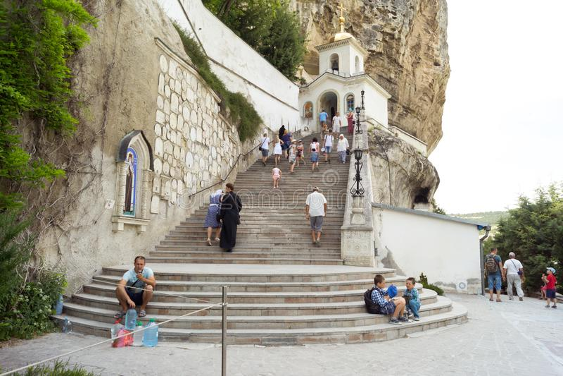 Святой монастырь предположения в пещере стоковые фотографии rf