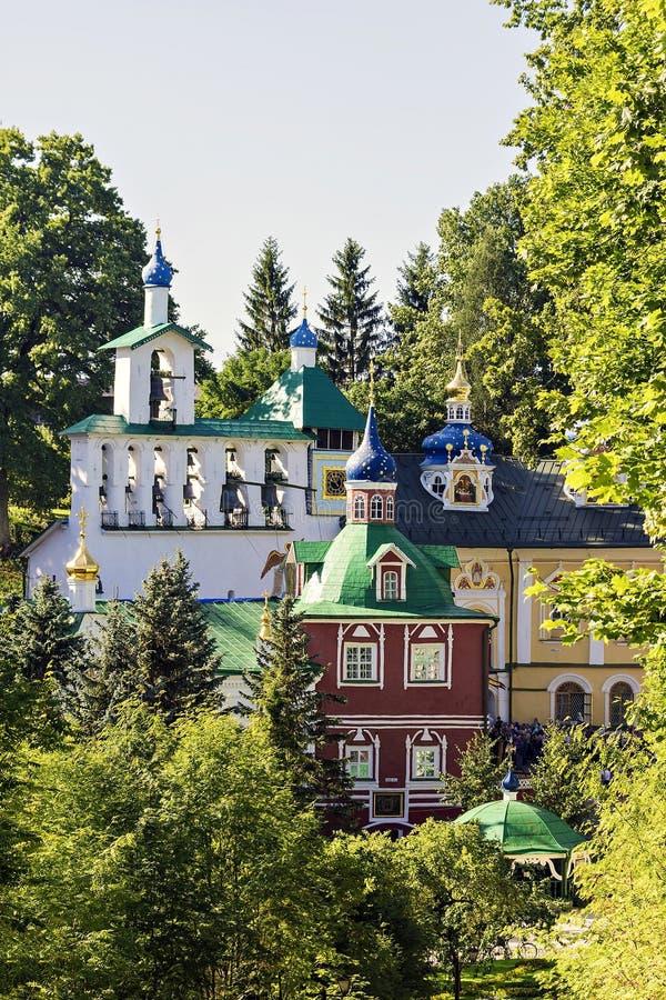 Святой монастырь Псков-пещер Dormition - один из самого большого и mo стоковое изображение rf