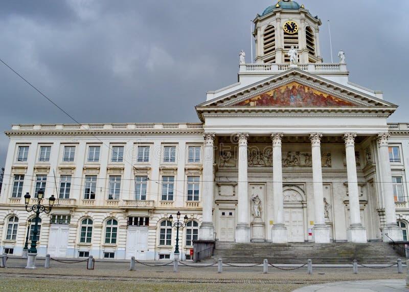 Святой jacques-sur-Coudenberg на месте Royale церков или королевский квадрат в Брюсселе, Бельгии стоковое изображение rf