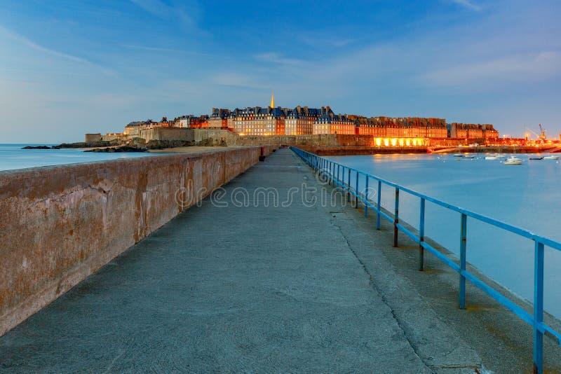 Святой Malo взгляд городка эстонии старый tallinn стоковое изображение rf