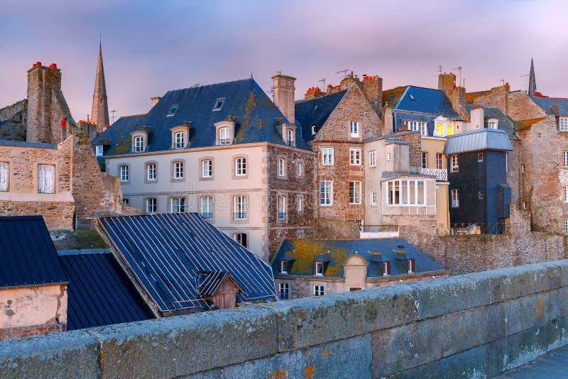 Святой Malo расквартировывает старый городок стоковые фото