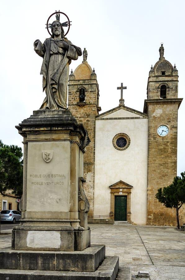 Святые Cosme прихода и церковь Damia (1853) в Pina на Мальорке, Испании стоковая фотография rf