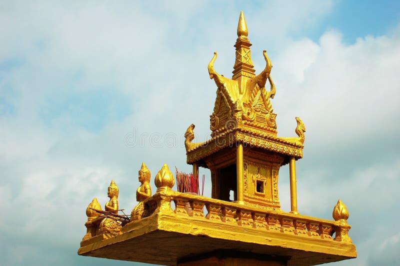 святыня Камбоджи золотистая стоковое изображение