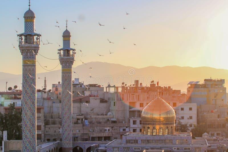 Святыня Sayeda Zeinab в Сирии стоковые изображения
