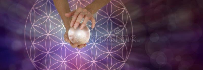 Священная геометрия и хрустальный шар Scrying стоковые изображения rf