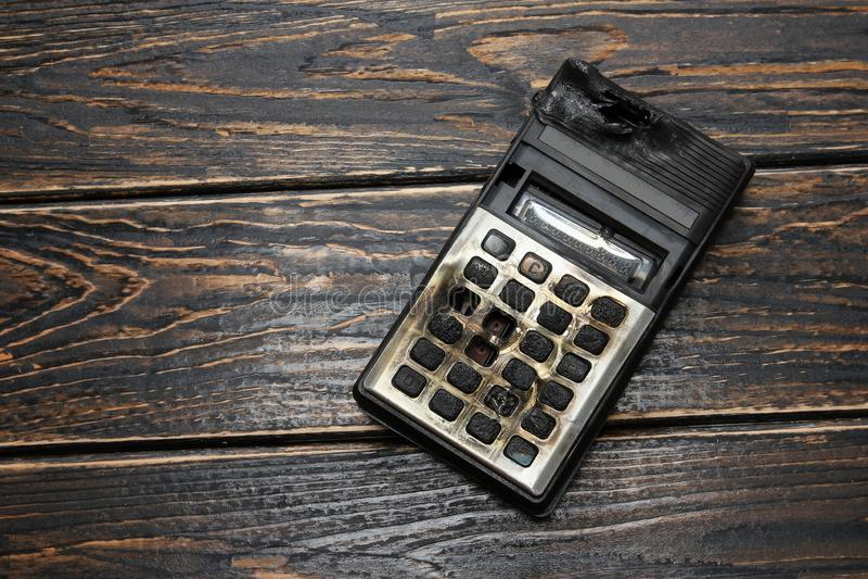 Сгорели калькулятор стоковое фото rf