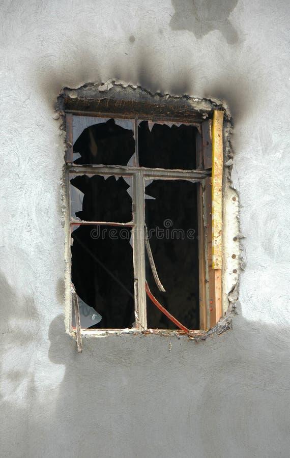сгорели окно стоковая фотография rf