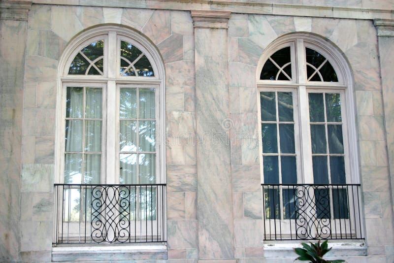 сдобренные окна стоковая фотография
