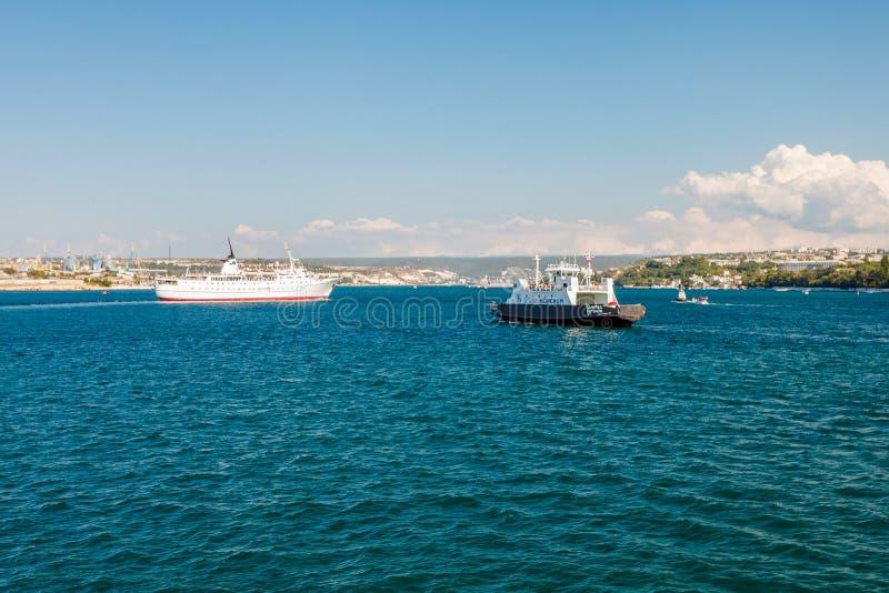 СЕВАСТОПОЛЬ, УКРАИНА - 24-ОЕ АВГУСТА Корабль Adriana стоковое изображение rf