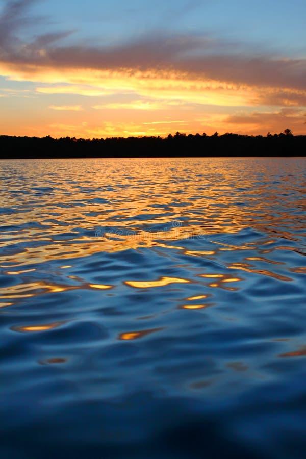 Северный заход солнца озера Висконсин стоковые изображения rf