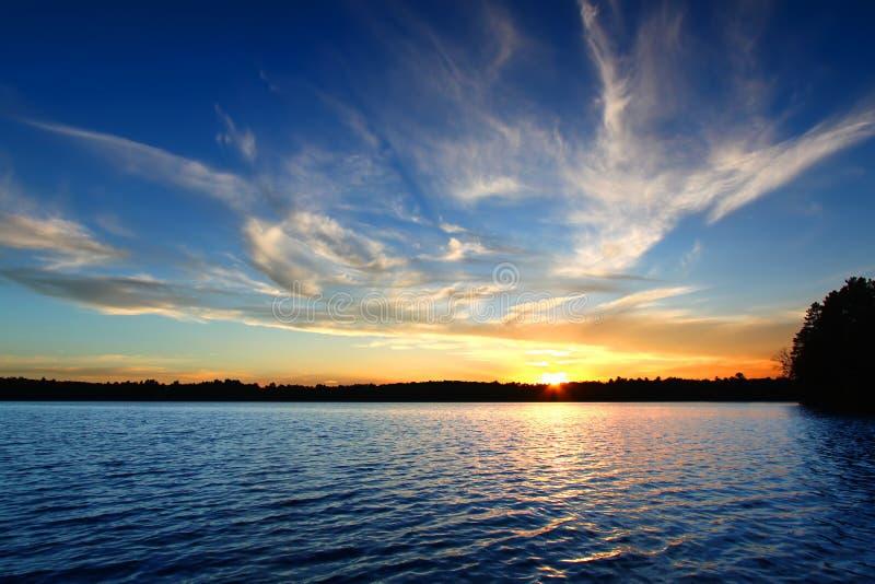Северный заход солнца озера Висконсин стоковое изображение