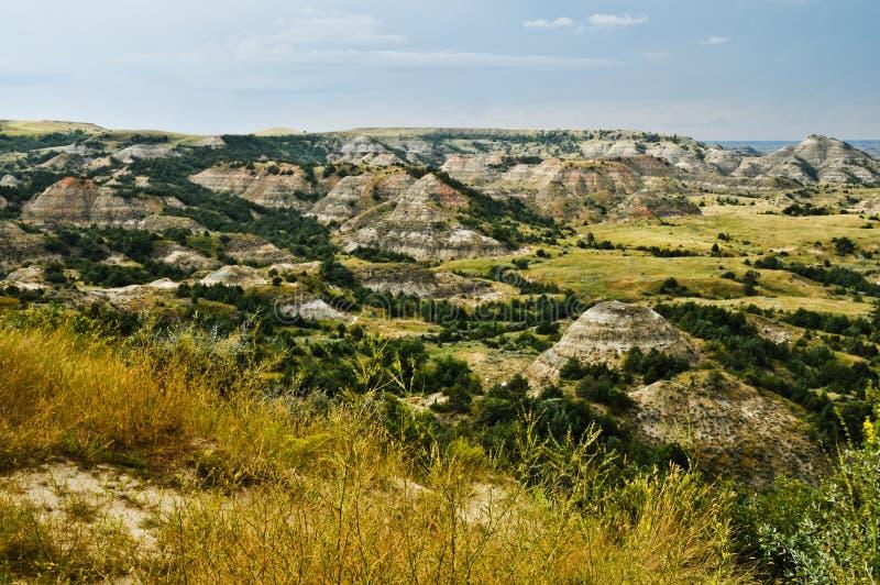 север Дакоты каньона неплодородных почв покрасил стоковое фото rf