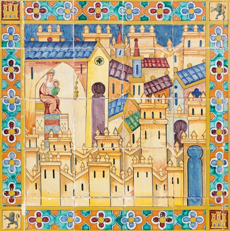 Севилья - церковь Madonna в средневековом городке Деталь от крыть черепицей черепицей 'беседк провинции' вдоль стен площади de Es стоковые фото