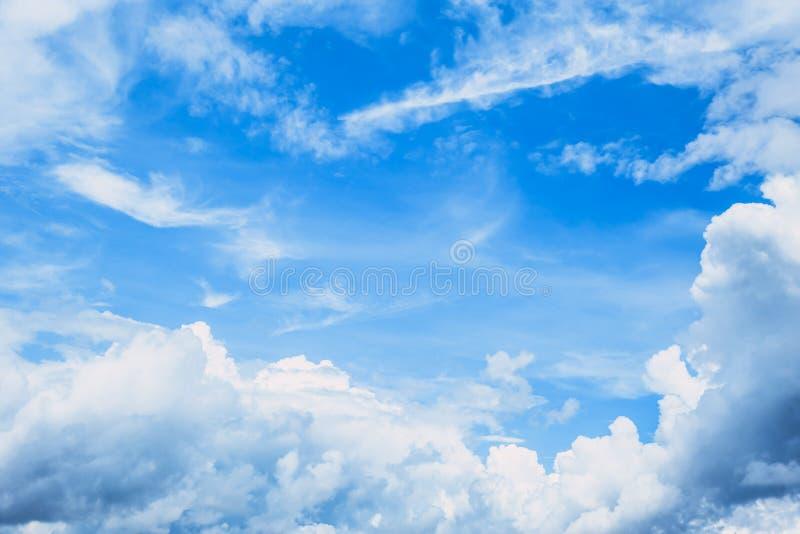 Сезон лета облака голубого неба рая стоковые изображения