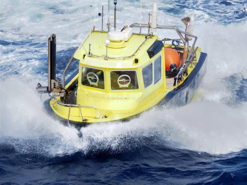 Сейсмическое workboat оффшорное в Мексиканском заливе стоковое фото rf