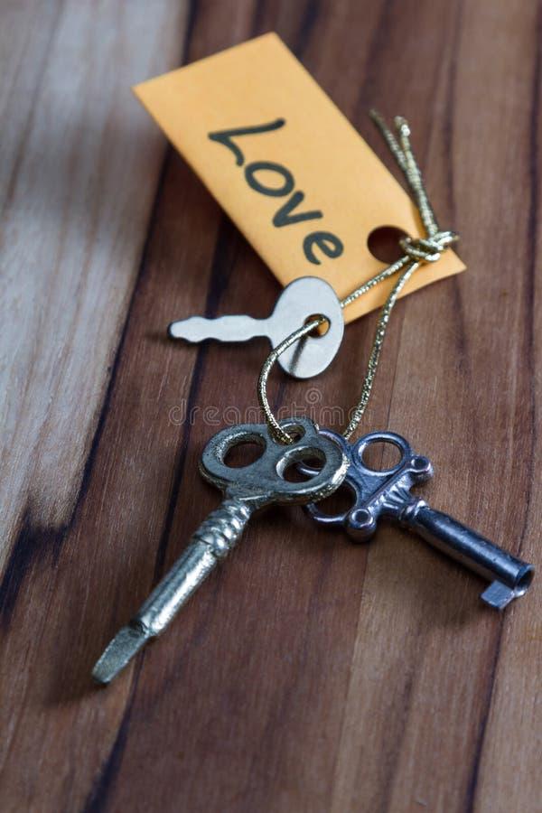 Секретные ключи для влюбленности в жизни стоковая фотография rf