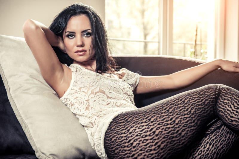 Сексуальная молодая женщина стоковые изображения rf