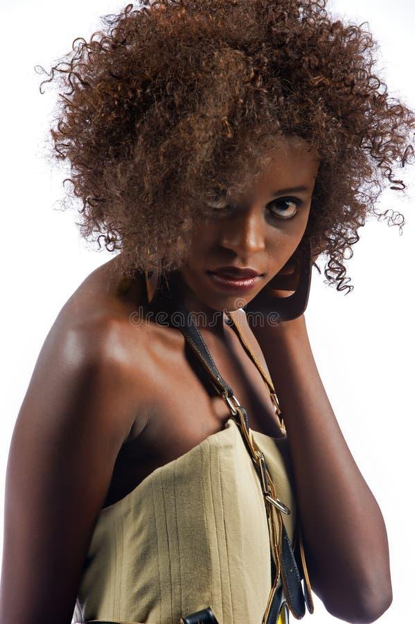 Сексуальная молодая красивейшая чернокожая женщина стоковое изображение rf