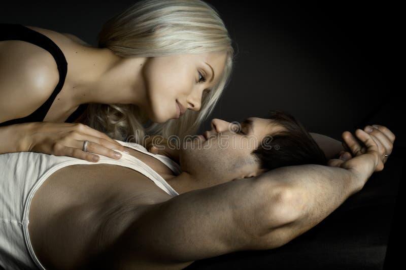 Сексуальные пары стоковые изображения