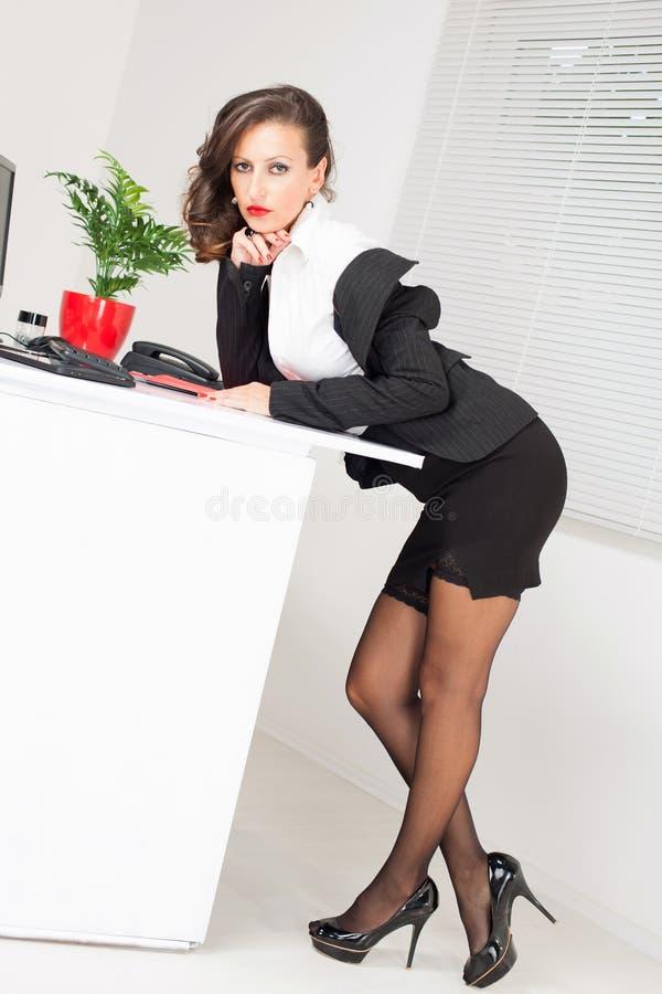 Сексуальные бизнес леди