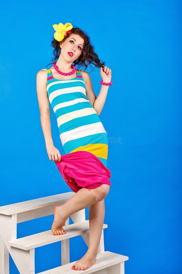 Сексуальная девушка в костюме матроса стоковое фото rf