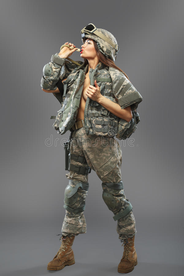Сексуальный солдат в форме фото 181-612