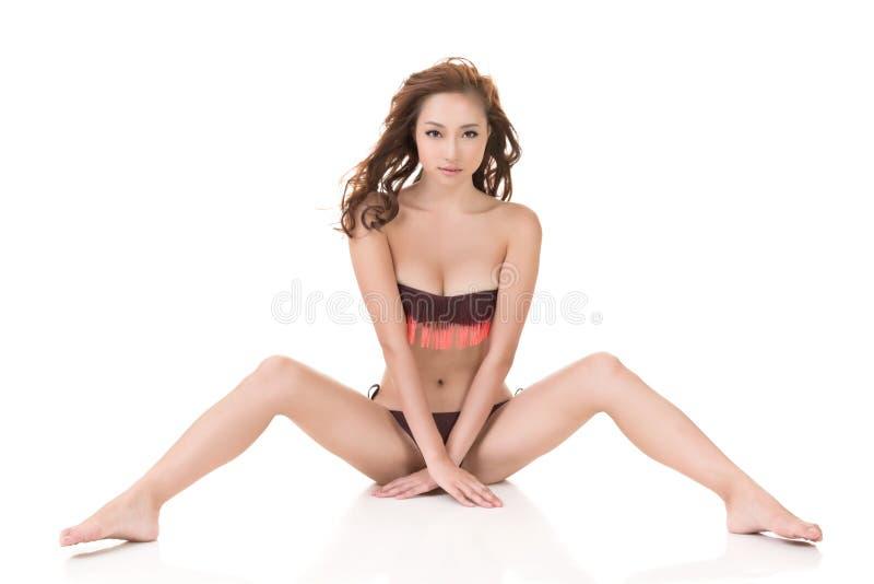 Сексуальная женщина бикини стоковые изображения