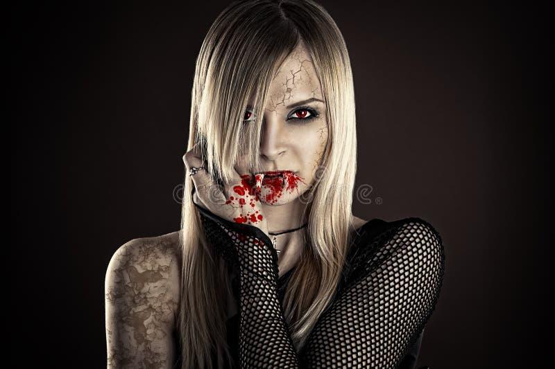 сексуальная женщина вампира стоковое изображение rf