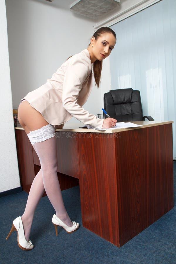 Сексуальные танец секретарши
