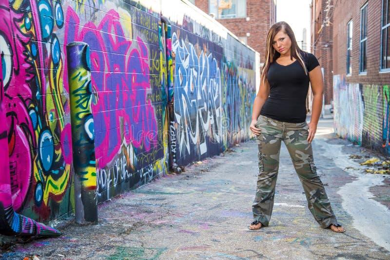 Сексуальная фотомодель девушки с коричневыми волосами стоковая фотография rf