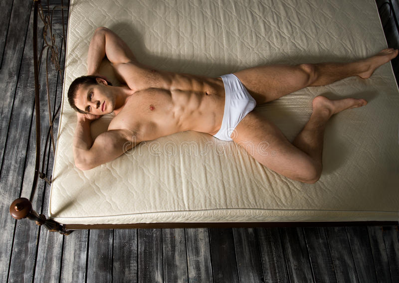 Сексуальный человек стоковая фотография rf