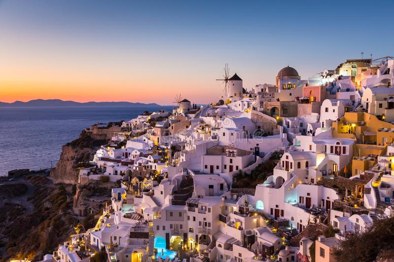 село захода солнца santorini oia острова Греции стоковое изображение