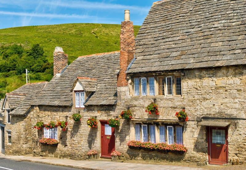 село рядка известняка коттеджей английское стоковое изображение