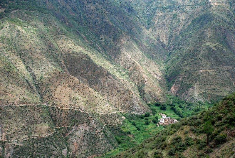 село тибетца горы стоковые фото