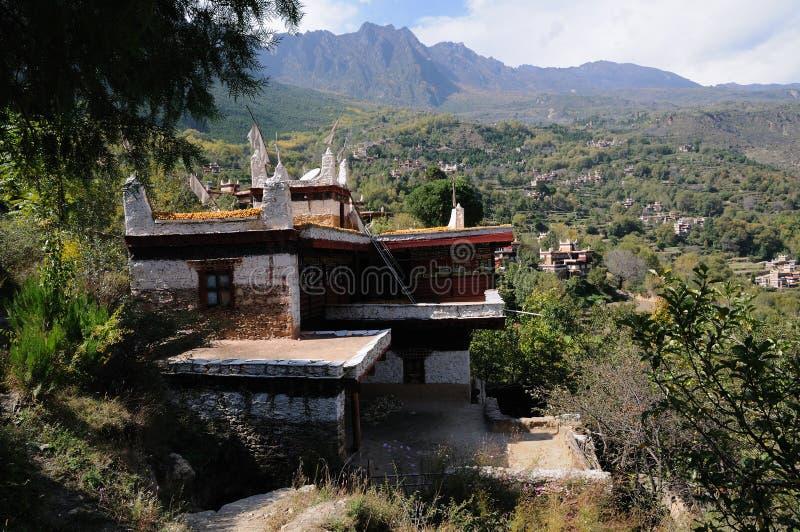 село тибетца jiaju здания стоковое изображение
