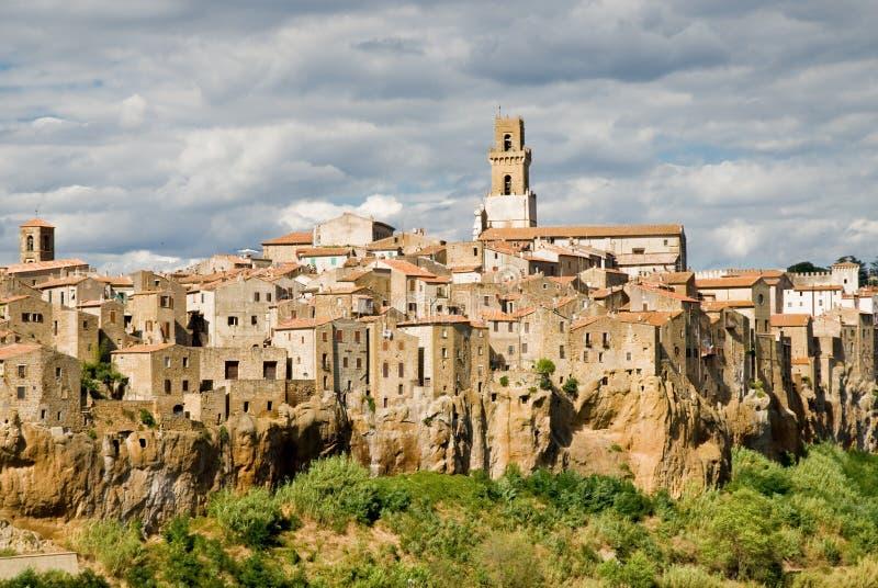село Тосканы pitigliano стоковые фотографии rf