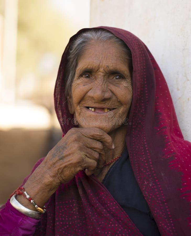 Сельская женщина стоковые изображения rf