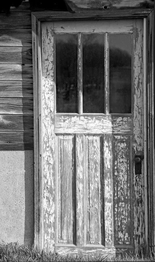 сельский дом двери старый стоковые изображения