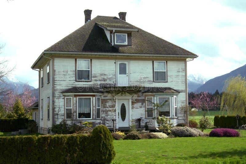 сельский дом старый стоковые изображения rf