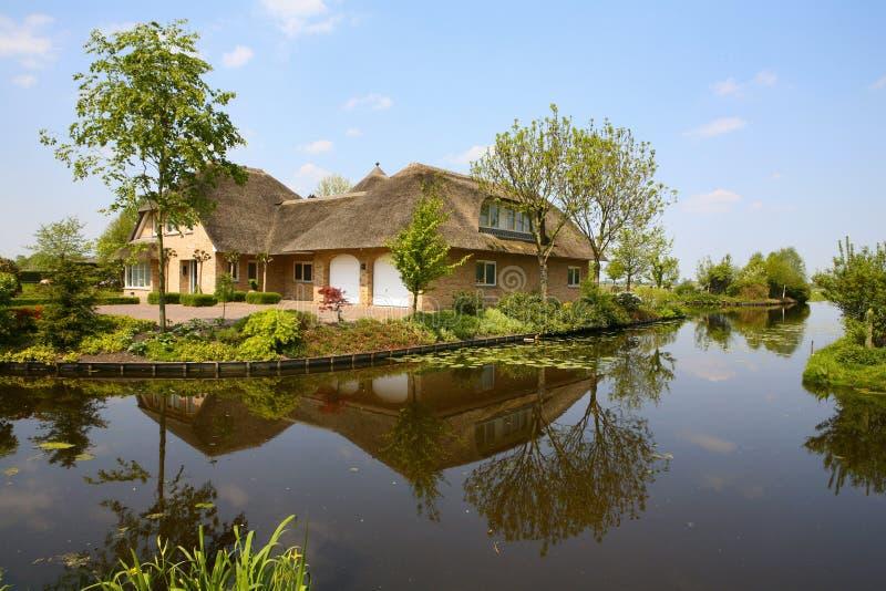 сельский дом стоковое изображение rf