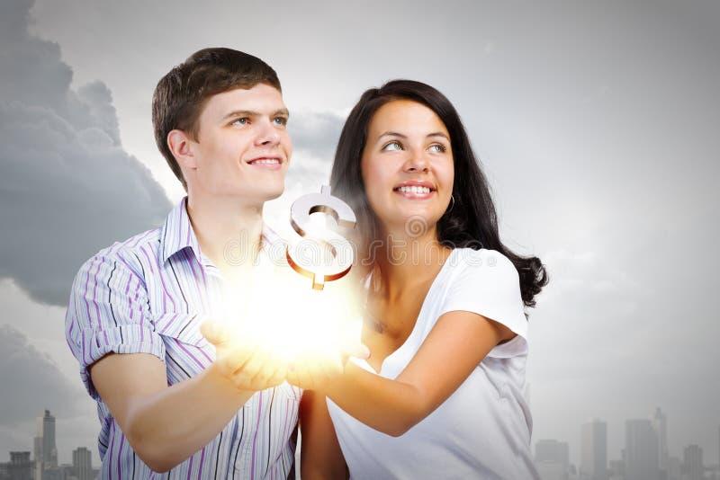 Download Семейный бюджет стоковое изображение. изображение насчитывающей заработайте - 41650693