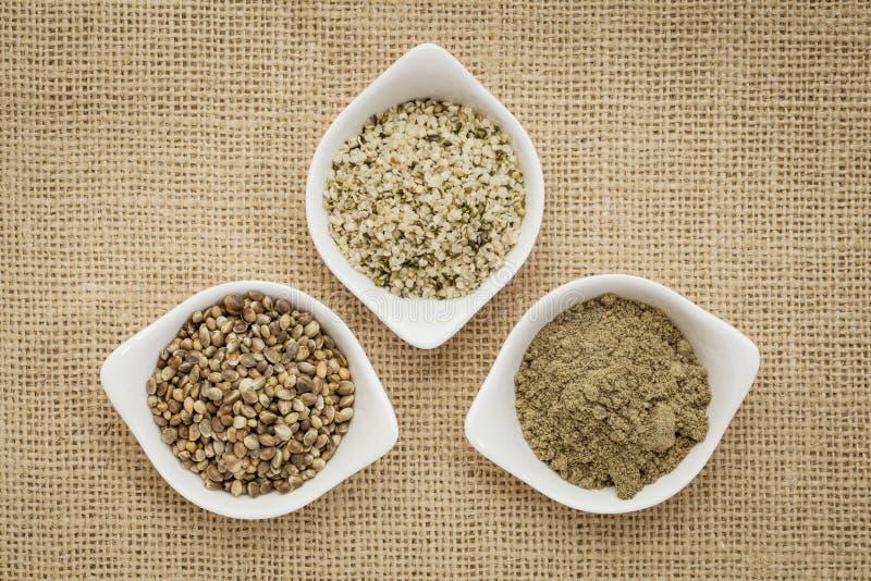 Семена, сердца и протеин пеньки стоковые изображения